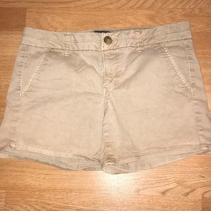 American eagle  brown shorts